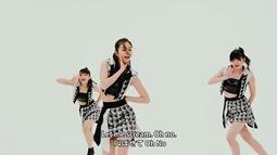 Kobushi Factory - Oh No Ounou (video musical) 02