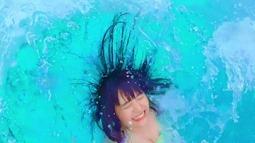 Niji no Conquistador - Summer to wa kimi to watashi nari!! (video musical) 061