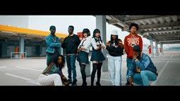 REVERBEE - Satisfaction (video musical) 002