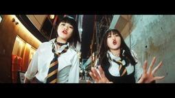 REVERBEE - Satisfaction (video musical) 005