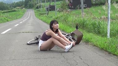 Sawaguchi Aika en la revista Young Magazine (2020 No.48, Video) 010