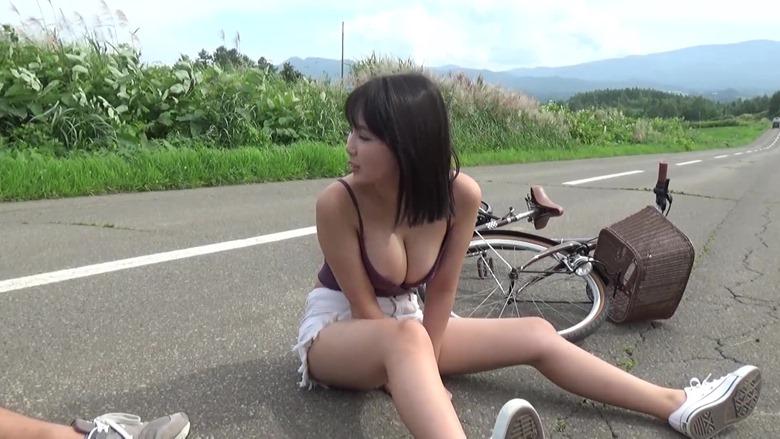 Sawaguchi Aika en la revista Young Magazine (2020 No.48, Video) 012