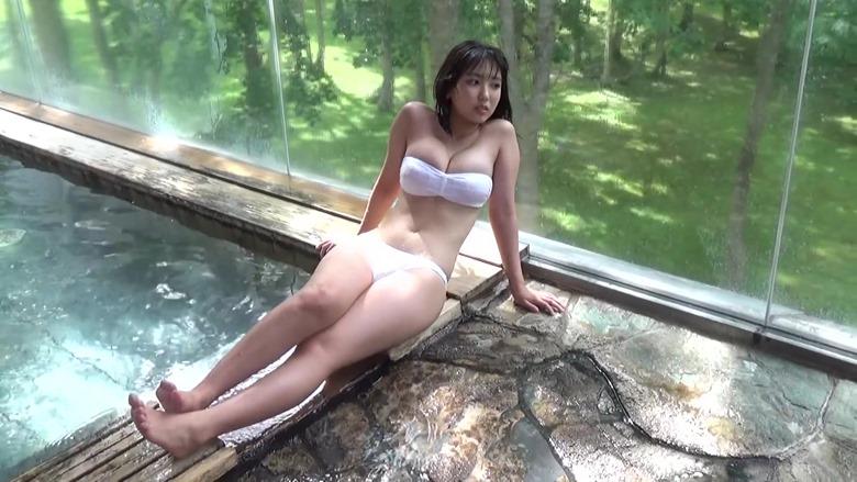 Sawaguchi Aika en la revista Young Magazine (2020 No.48, Video) 026