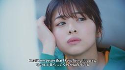 Kanzawa Tomoko - Kiiroi Sen no Uchigawa de Narande Omachi Kudasai (video musical) 004